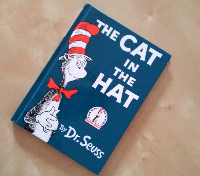 Letture per bimbi in inglese - The cat in the hat by Dr.Seuss