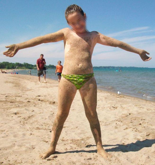 In spiaggia a 9 anni